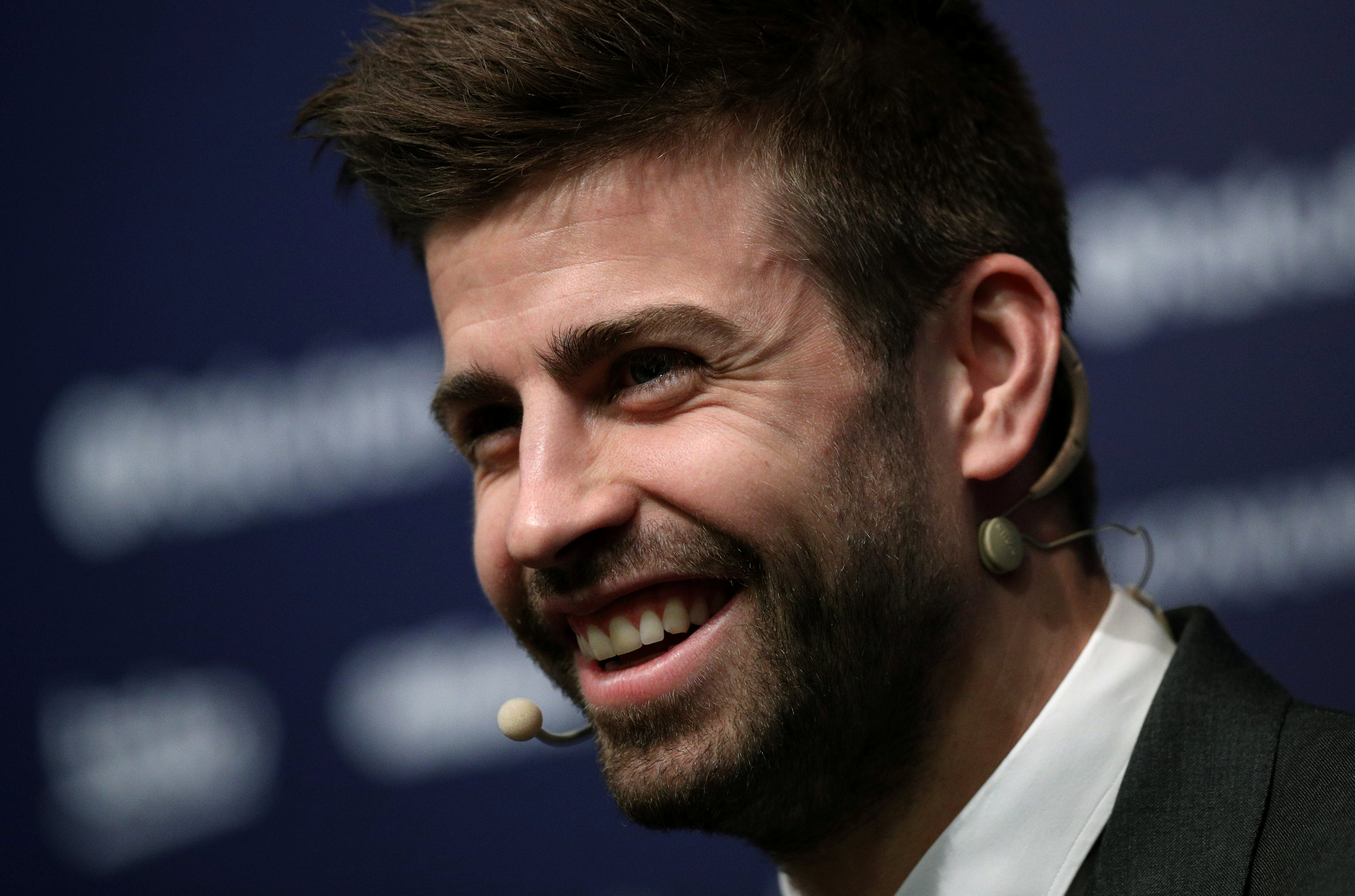 Football: Barca's Pique extends contract until 2022