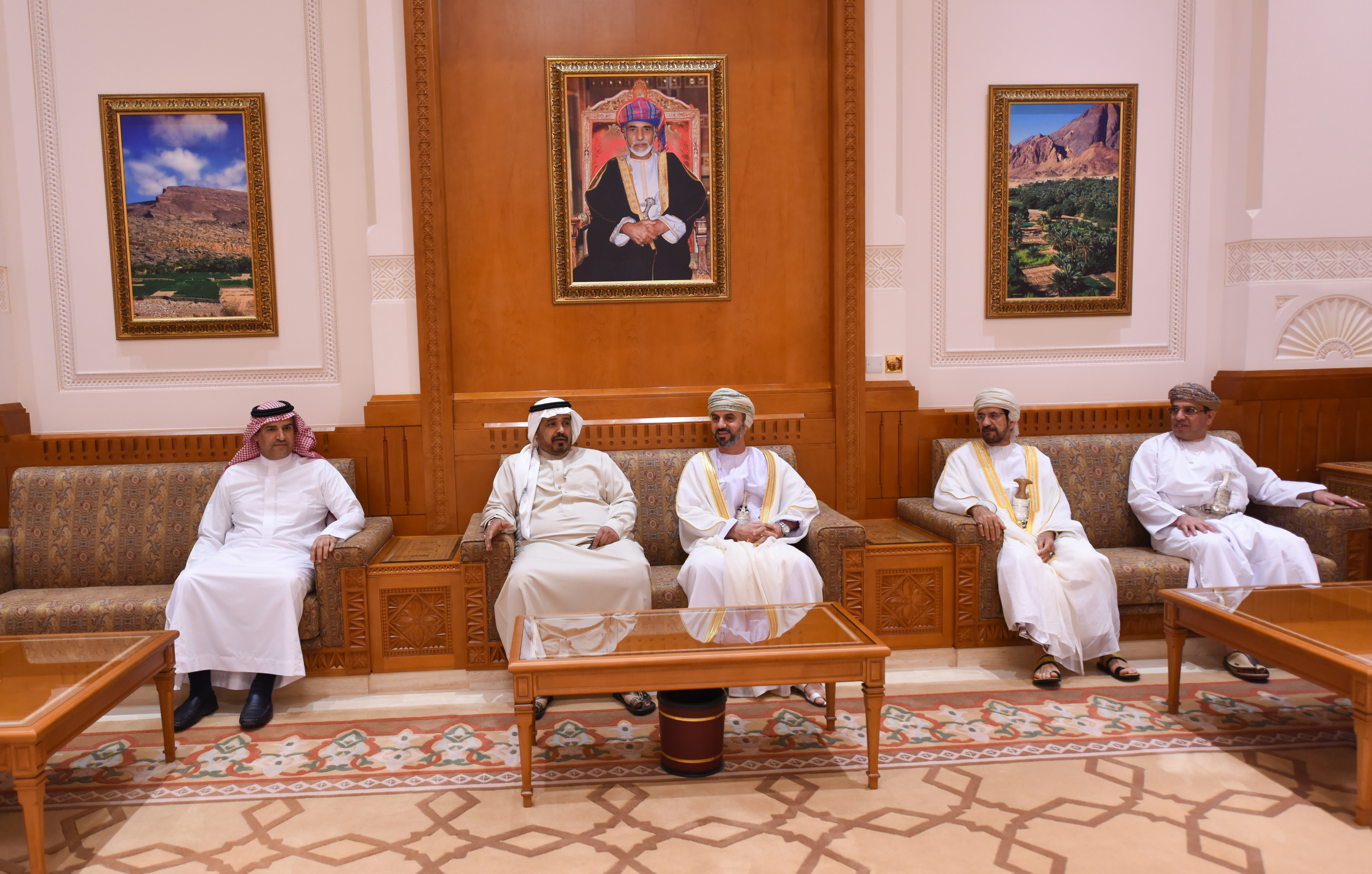 رئيس مجلس الشورى يستقبل وفد كلية القيادة والأركان السعودي