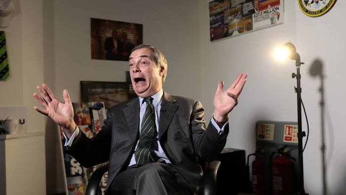 'Brexit betrayal' would thrust Britain into crisis, says Farage