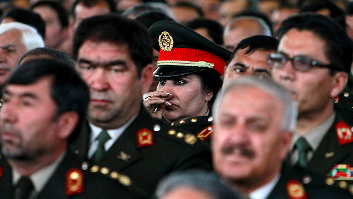 Afghan army shake-up to push out old guard in fight against Taliban