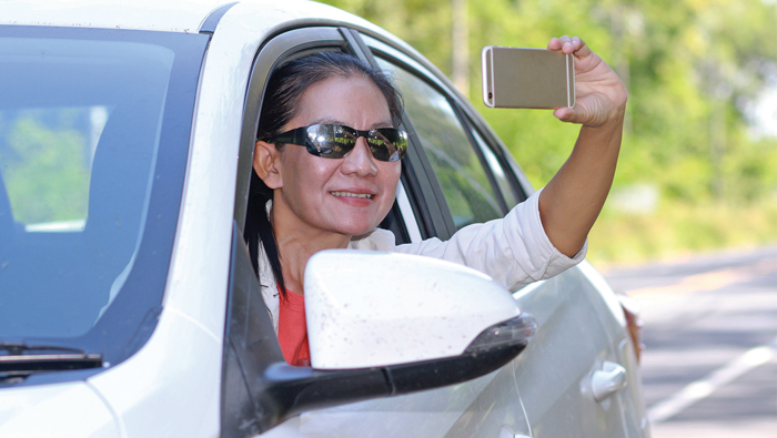 Don't take photos while driving: Royal Oman Police