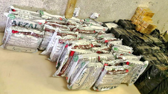 Oman Customs foils attempt to smuggle cigarettes, tobacco