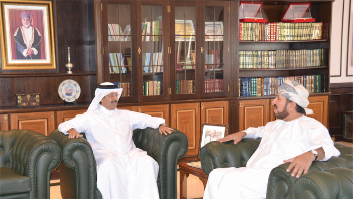 Minister of Heritage and Culture receives invite for Qatar National Library opening