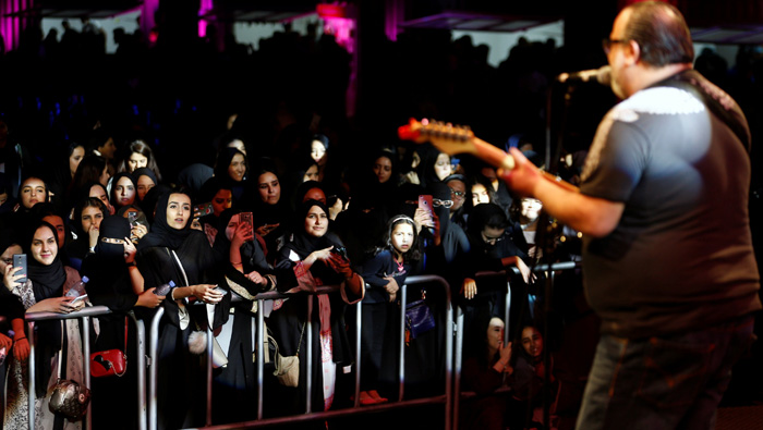 First jazz festival wows Saudi women, men