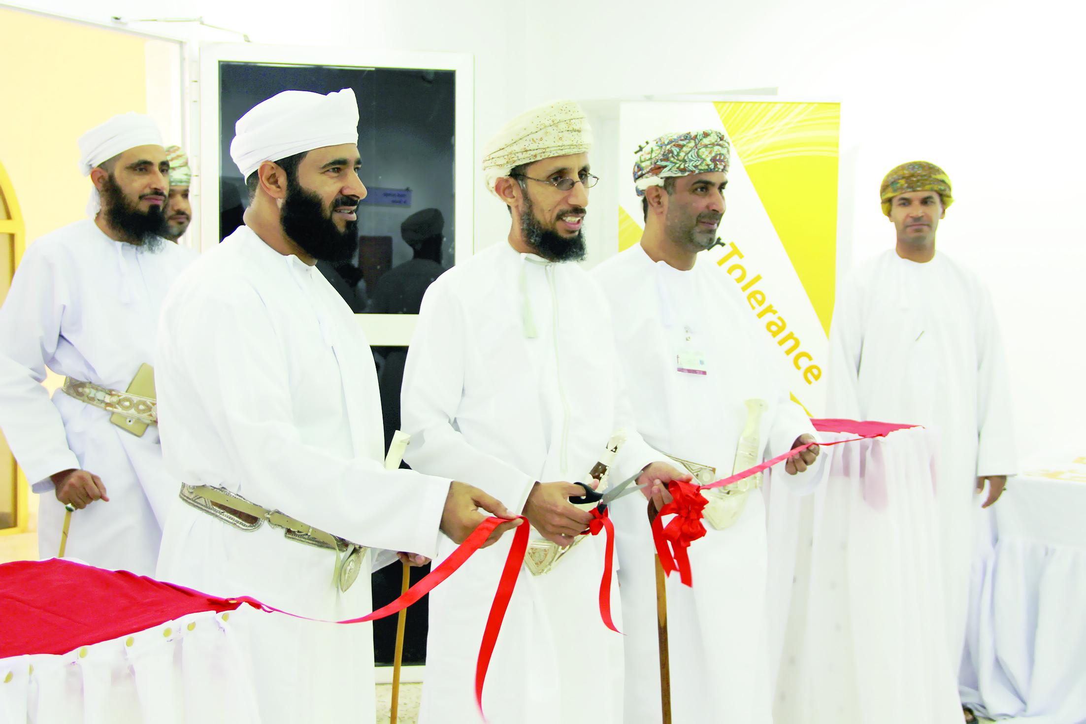 افتتاح معرض «رسالة الإسلام» في «تربية الرستاق»