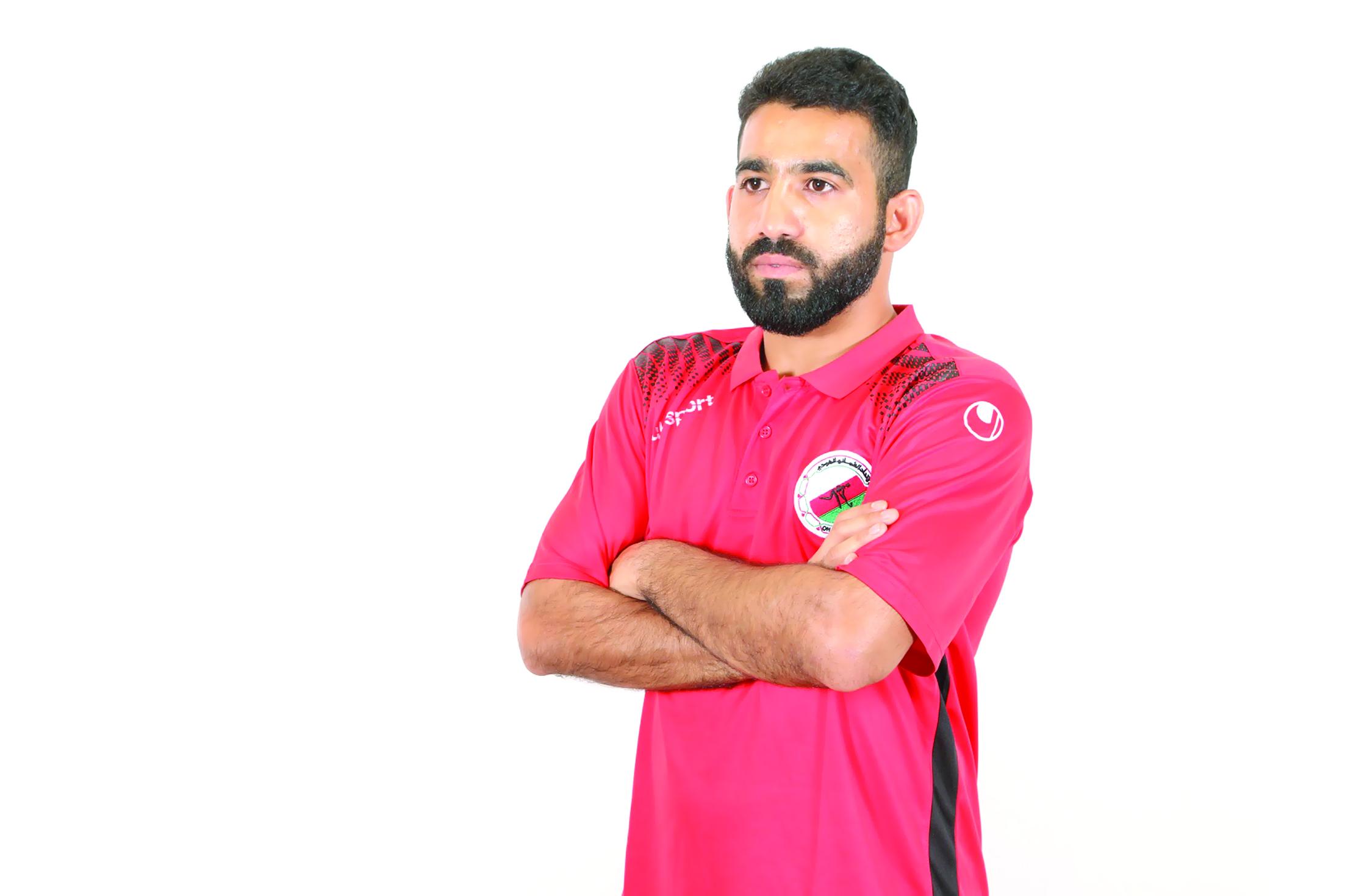 الحسني أول لاعب عُماني يتخطى 100 مباراة دولية في «الهوكي»