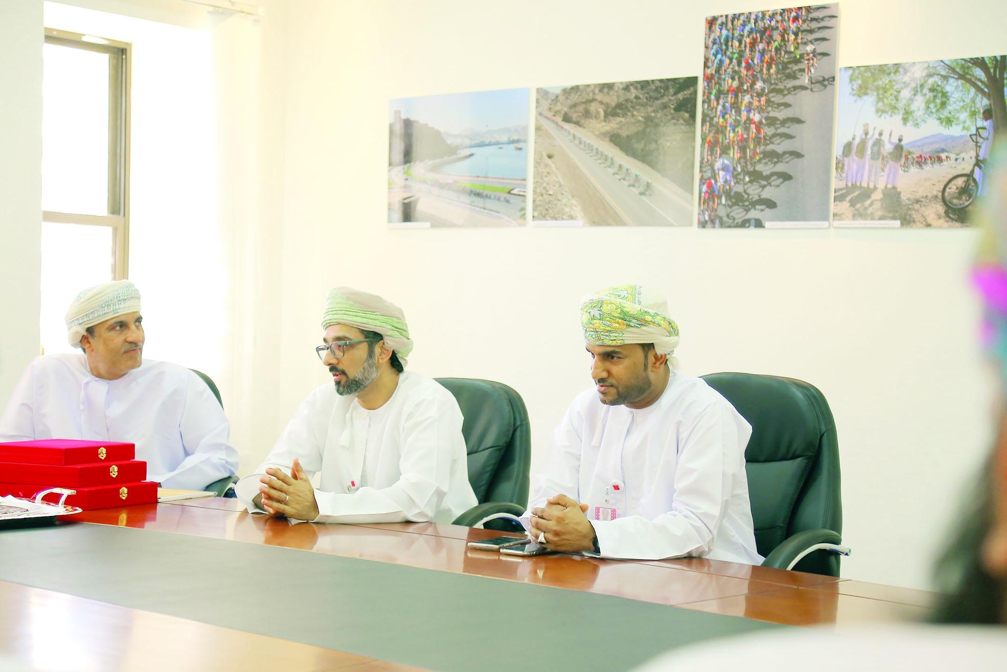 بلدية مسقط تكرِّم الفائزين في مسابقة أجمل صورة في «طواف عُمان 2018»
