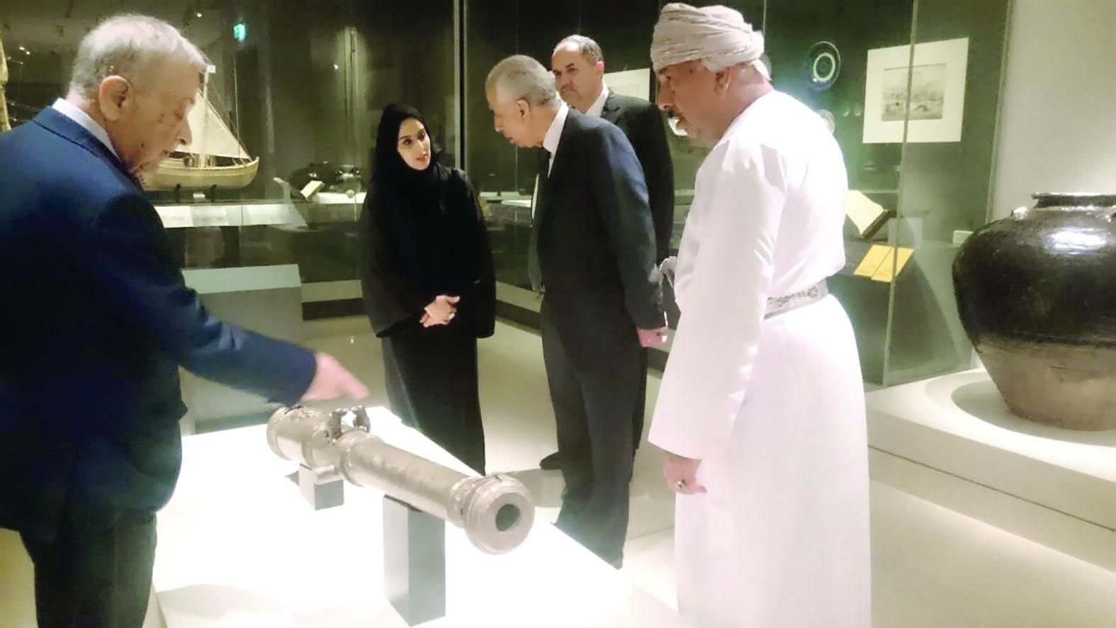الوفد البرلماني الأردني يزور المتحف الوطني