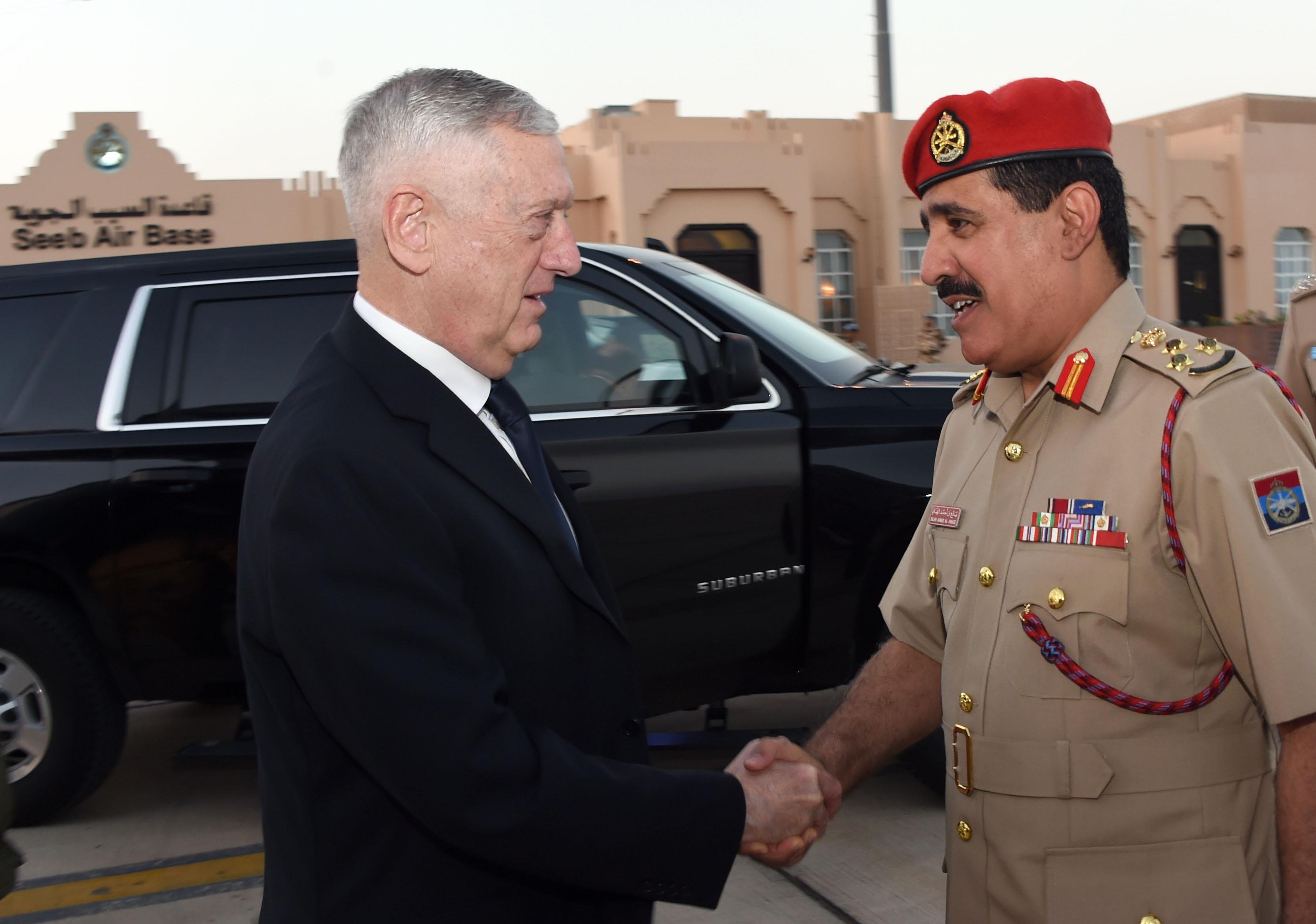 معالي وزير الدفاع الأمريكي يغادر البلاد
