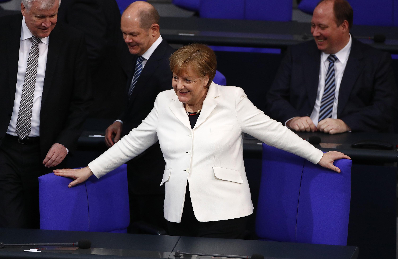 Merkel begins fourth term as German chancellor