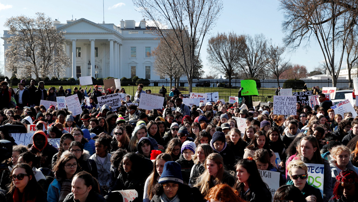 US students walk out of class in solidarity with Florida shooting victims