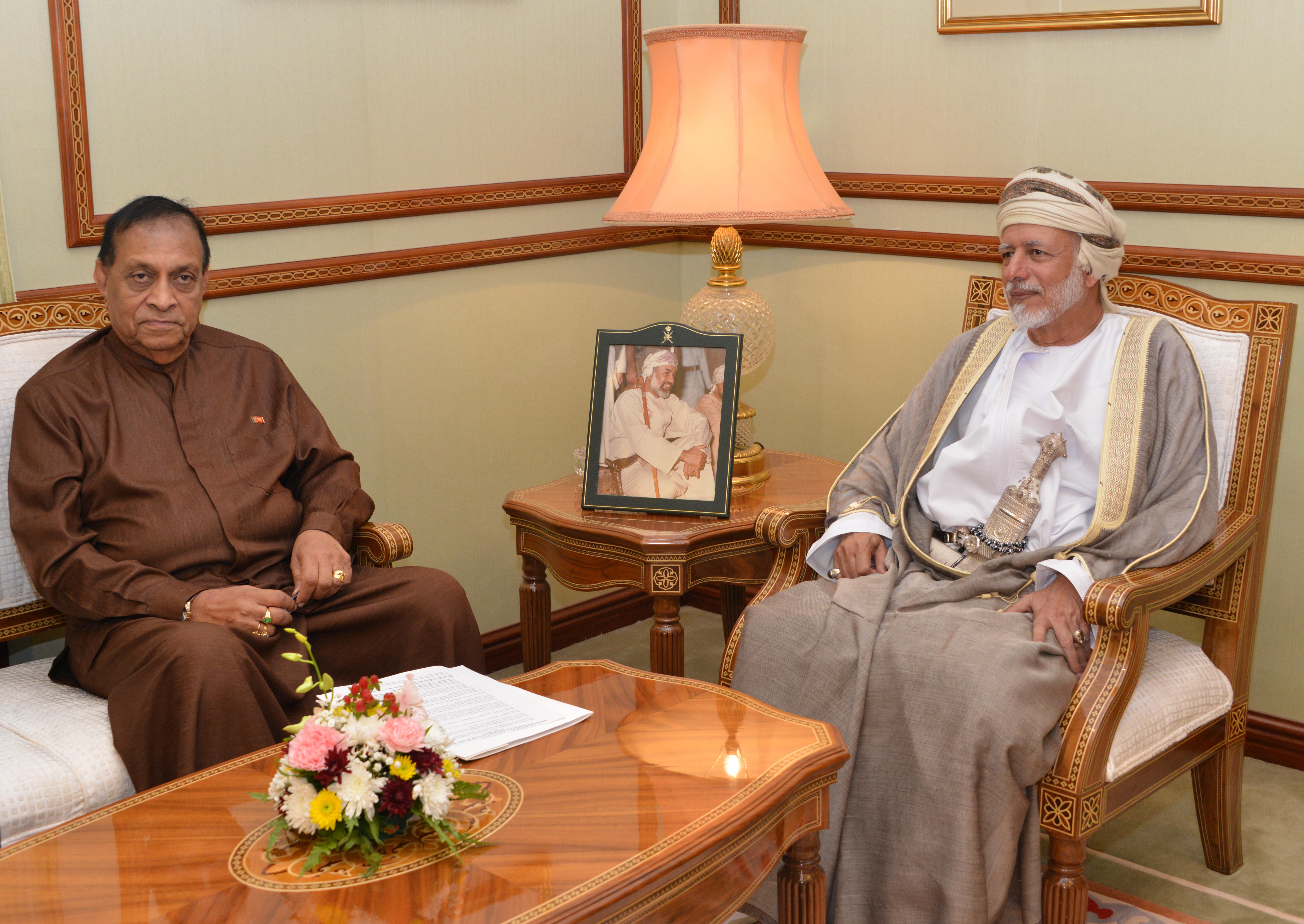 ابن علوي يستقبل رئيس البرلمان السريلانكي