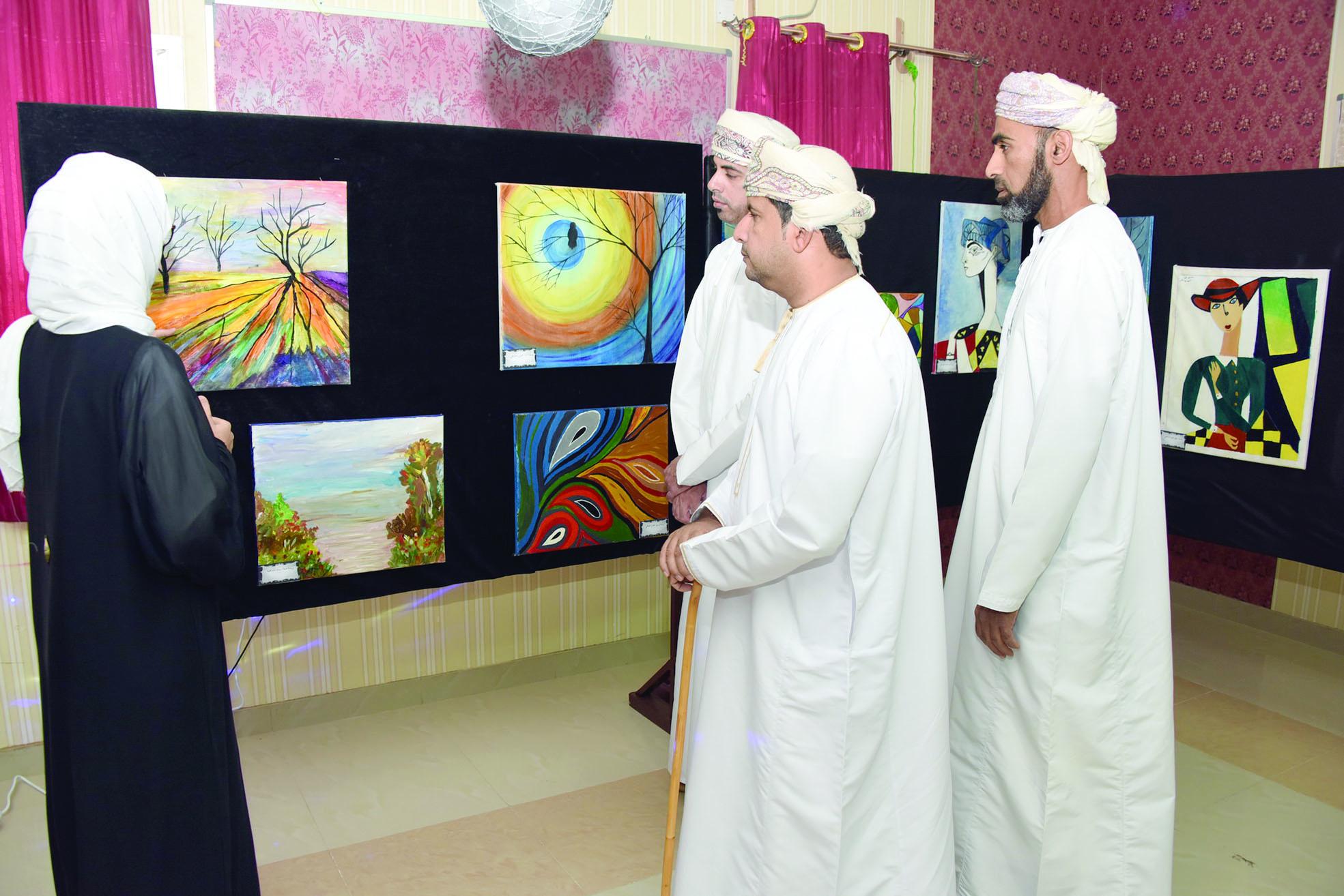 افتتاح المعرض الفني «بداية حلم» بتعليمية جنوب الشرقية