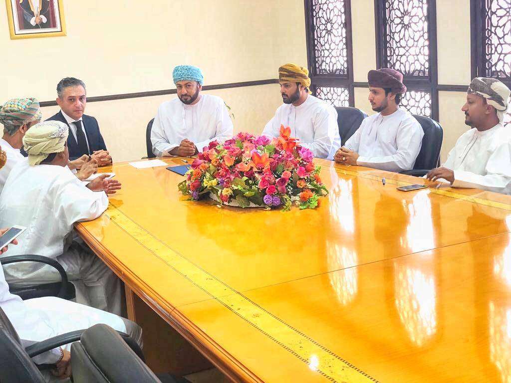 توقيع اتفاقية لرفع الحد الأدنى لأجور العمانيين لهذه الشركة