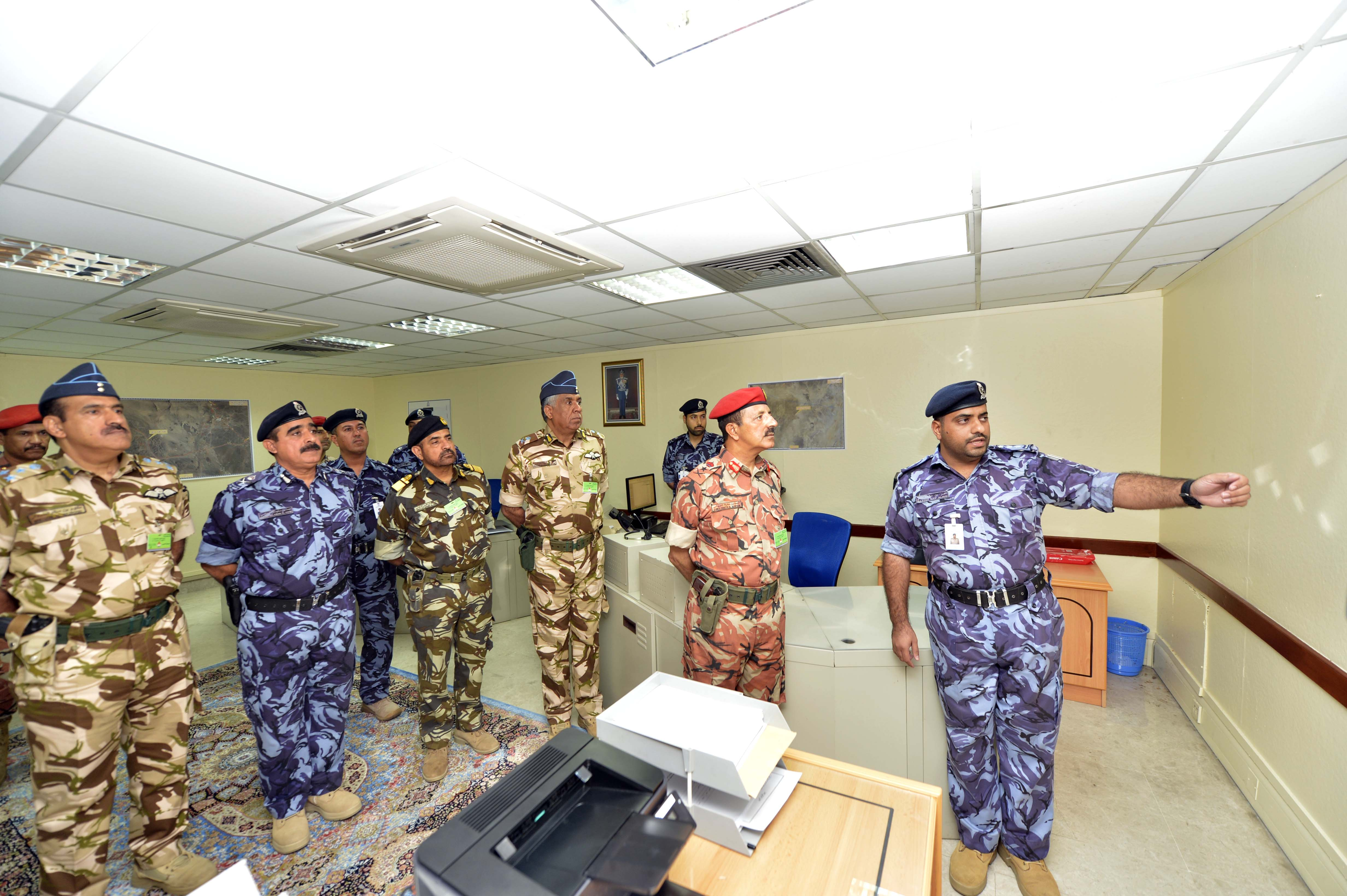 Al Nabhani visits ROP Force participating in military drills