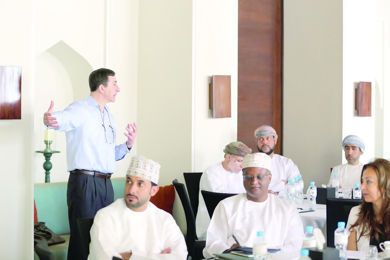 «الدراسات العليا» و«تكاتف» تنظمان جلستين تفاعليتين