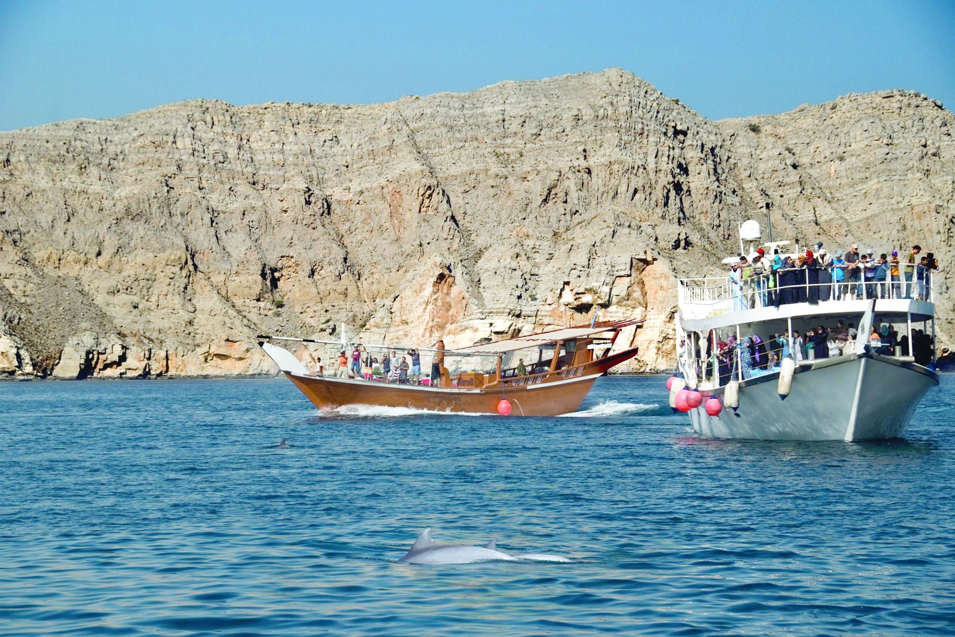 السياحة تصدر توضيحاً حول خبر تراجع أعداد السياح في خصب