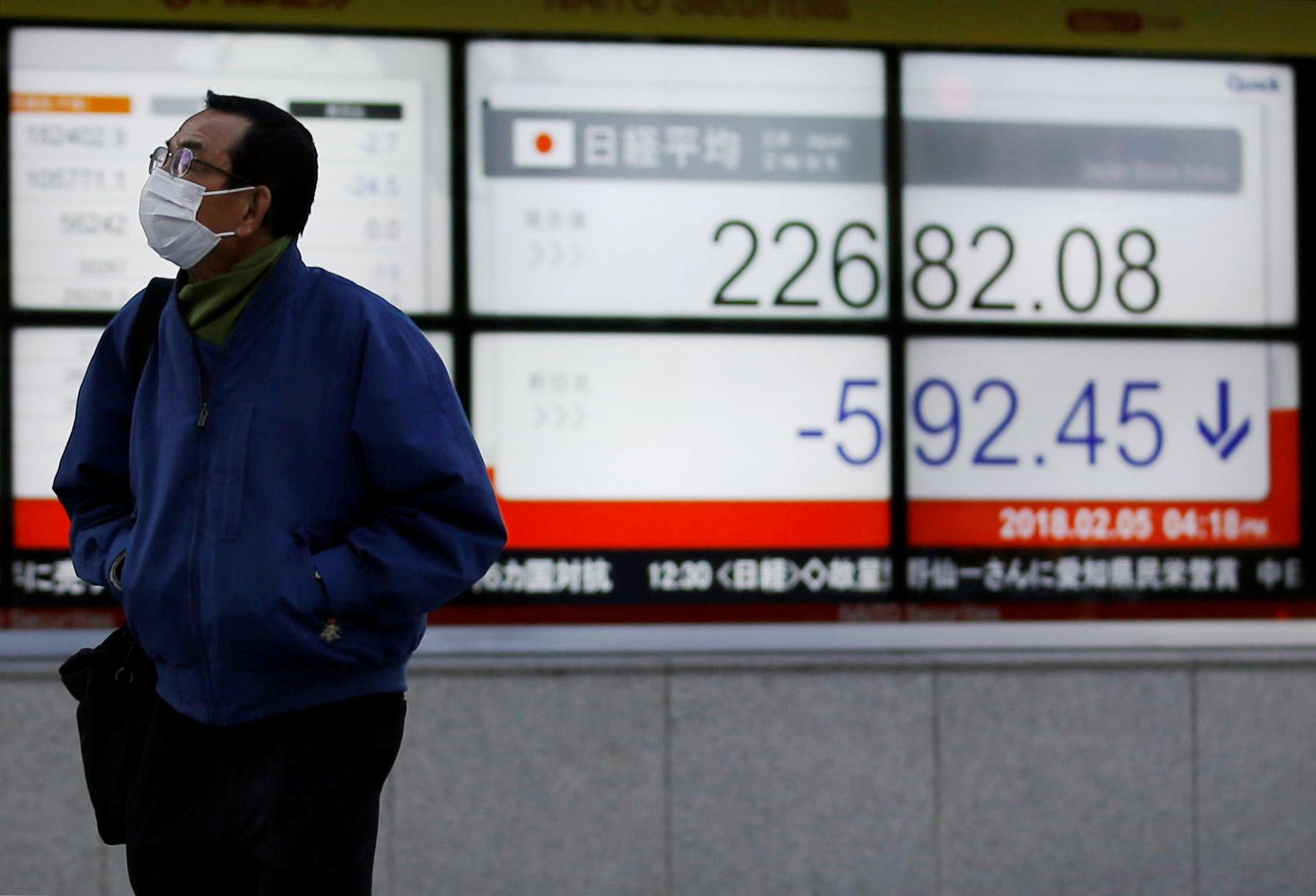 Asian shares regain ground as Trump faces pushback on tariffs