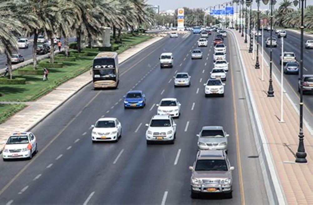 بعد مأساة حافلة الأطفال.. 5 أرقام هامة حول حوادث الطرق بالسلطنة