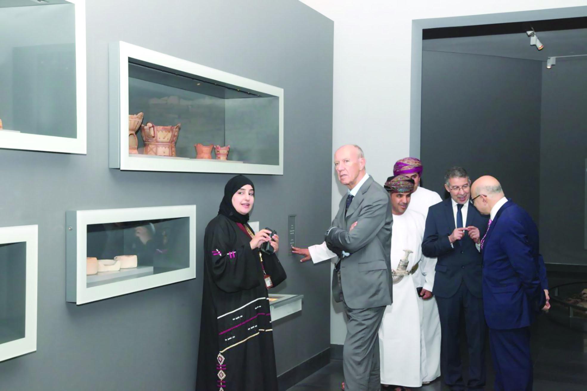 وفد منظمة عالمية يزور المتحف الوطني