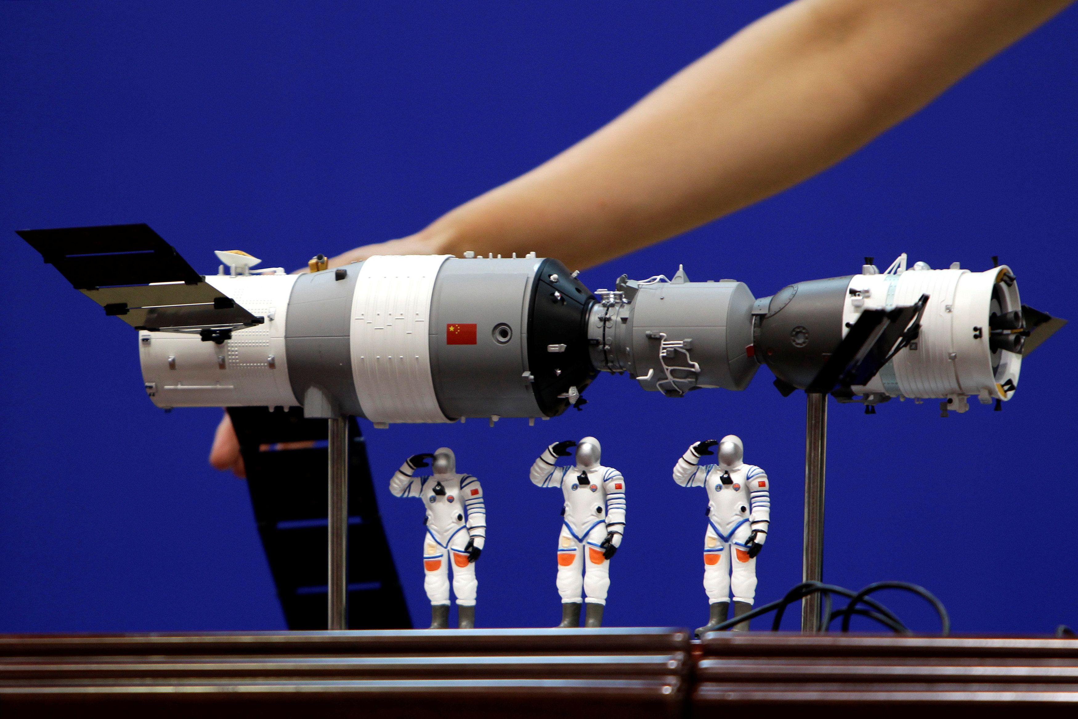 Tiangong-1 space station to enter Earth's atmosphere on Monday