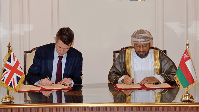 Oman, UK review military ties; sign pact on loaning of forces
