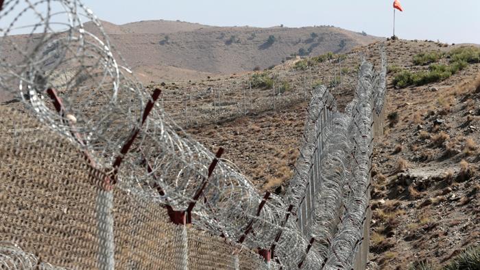 Afghanistan returns captured Pakistani soldier