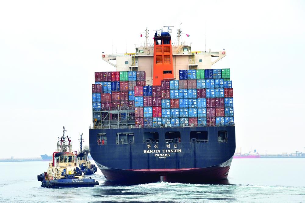 توقيع اتفاقية توسيع الجهة الجنوبية من ميناء صحار