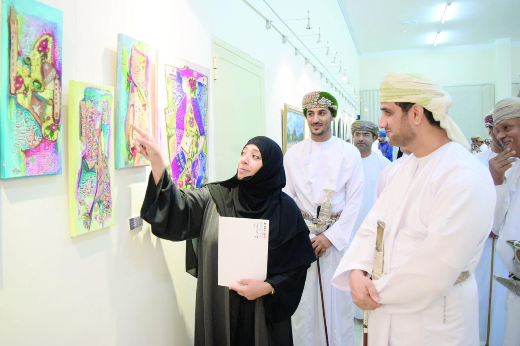 افتتاح معرض جماعة الفن الثاني بولاية صحار
