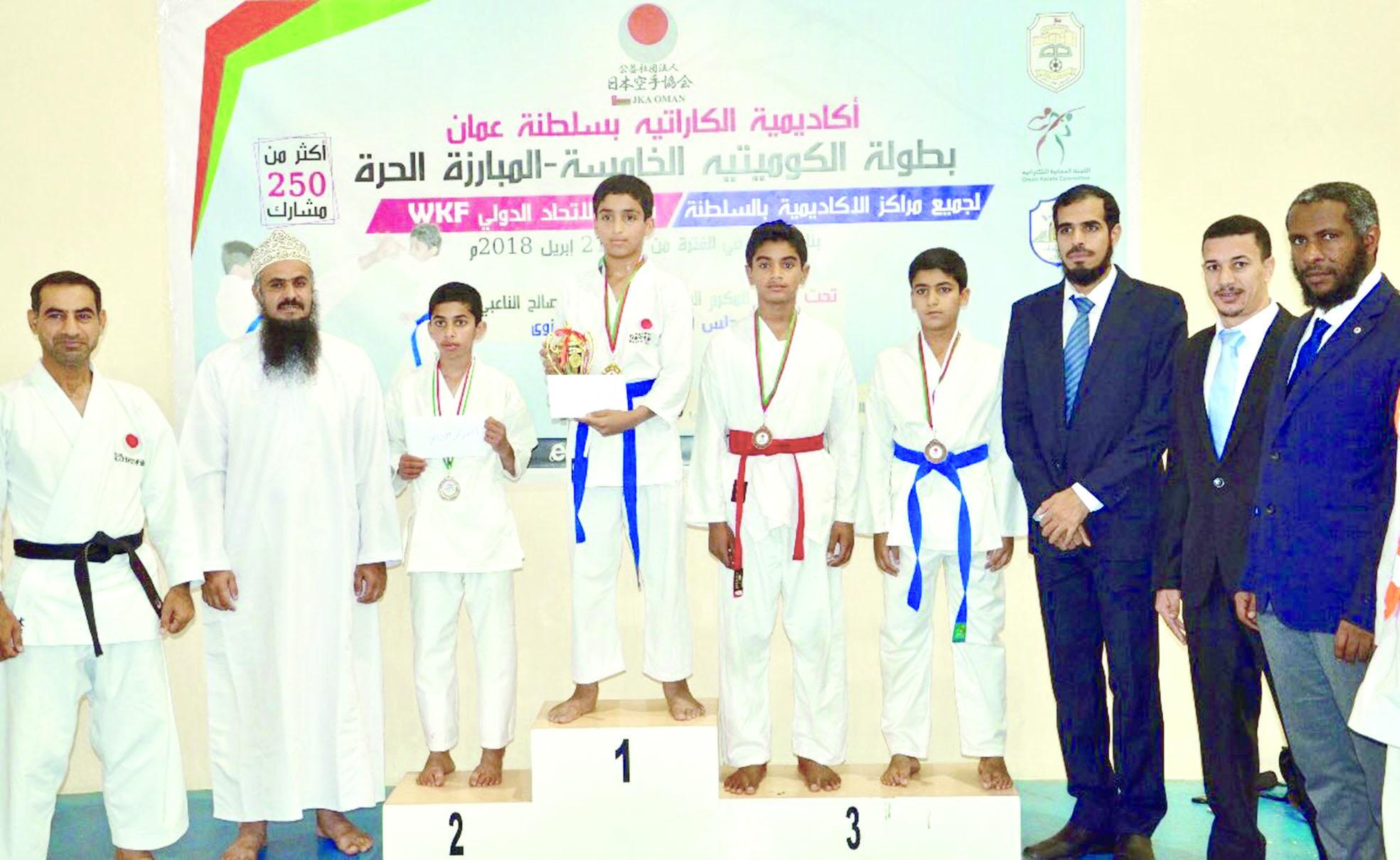 15ميدالية لبهلاء في بطولة أكاديمية الكاراتيه بالسلطنة