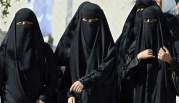 هكذا كانت نساء داعش تلد أطفالهن.. شاهدة عيان تروي التفاصيل