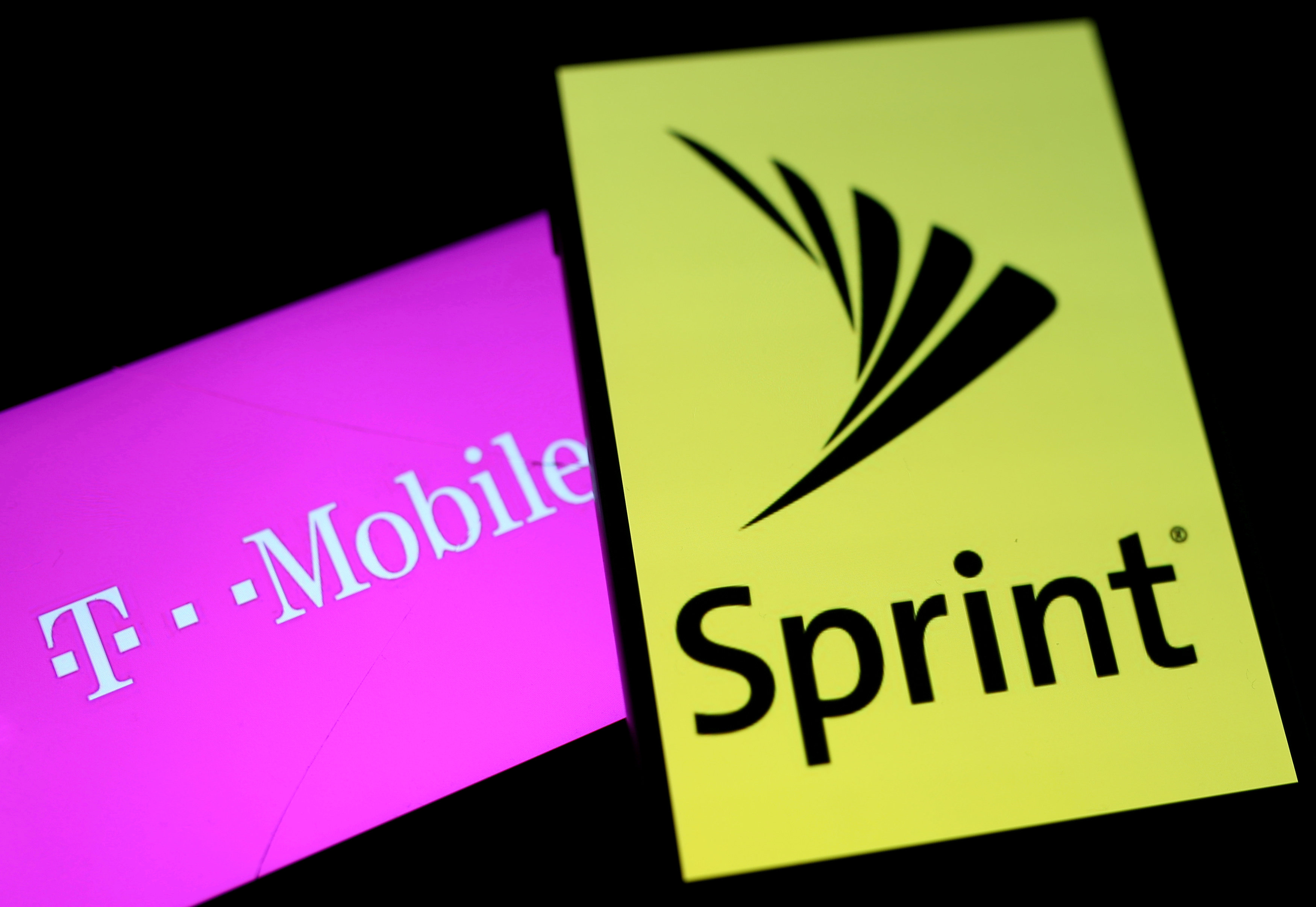 T-Mobile, Sprint agree to $26 billion deal