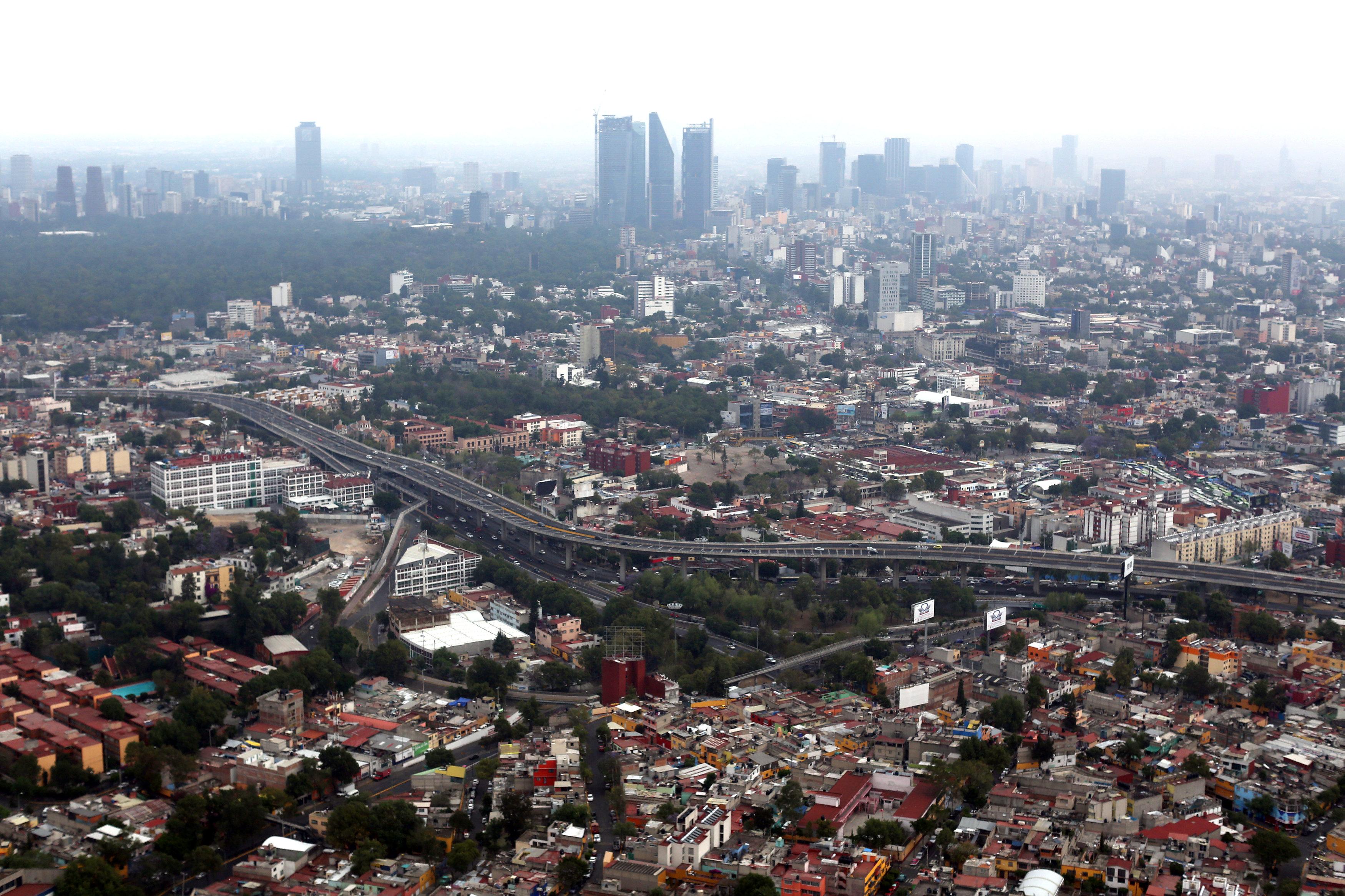 Mexican companies hedge, delay deals as NAFTA, elections loom