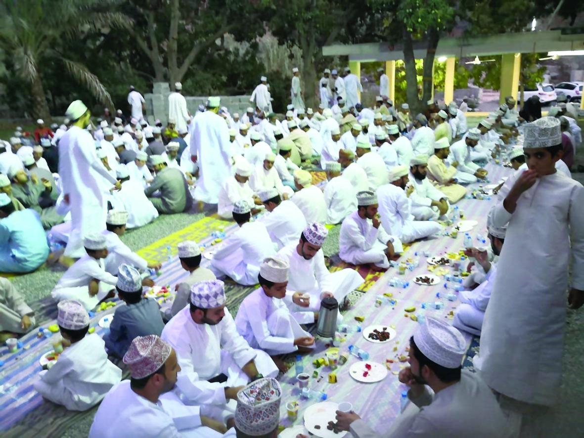 إفطار جماعي لأهالي قرية العلياء بالعوابي