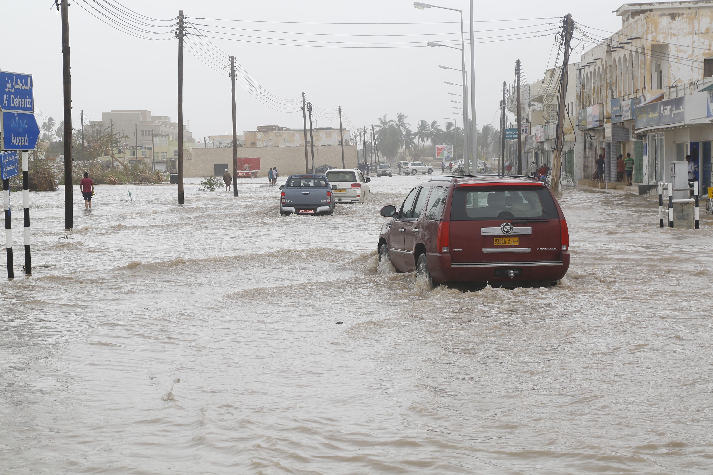 Cyclone Mekunu: Salalah road inundated