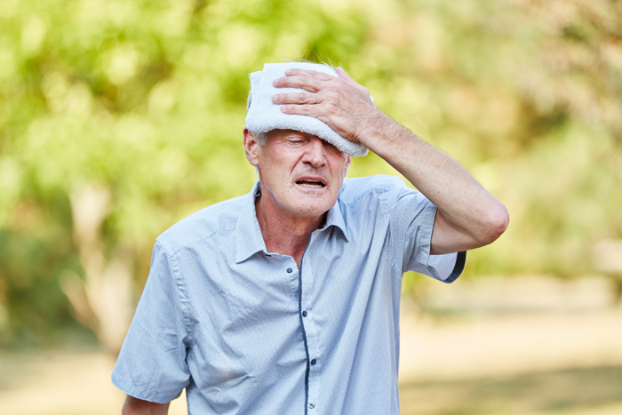 4 tips to prevent summer nausea