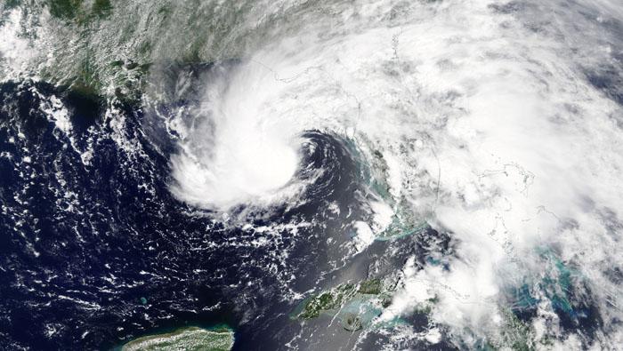 Storm Alberto weakens as it nears Florida, sends thousands fleeing