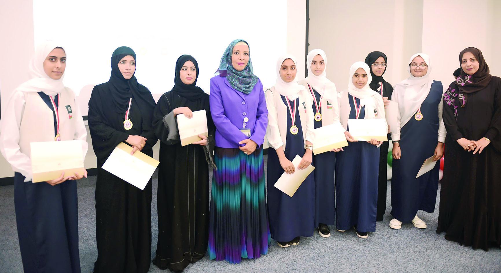 تكريم الطلبة المجيدين في المشاركات الخارجية