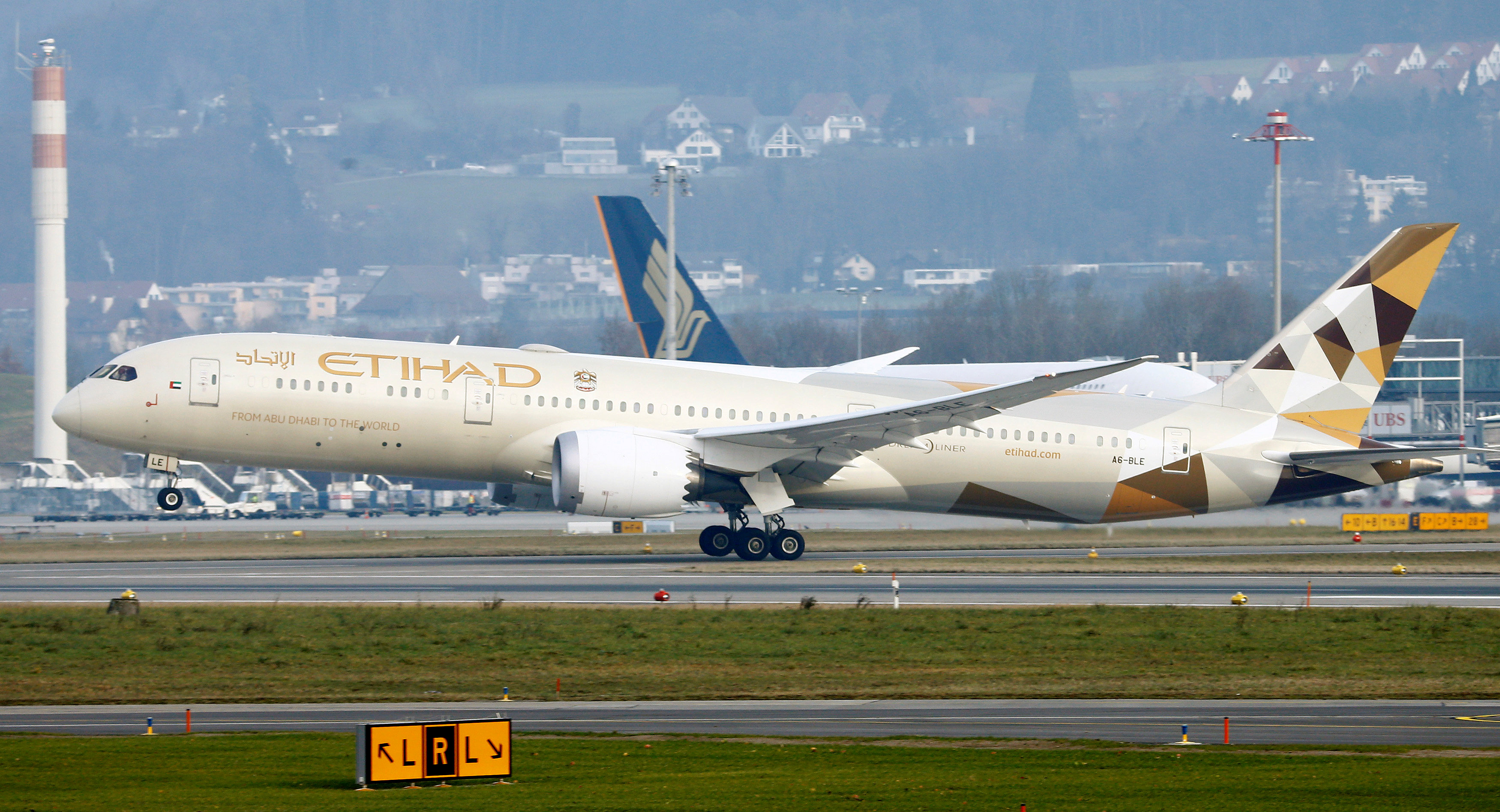 Airbus, Boeing risk order disruption as Etihad reviews strategy