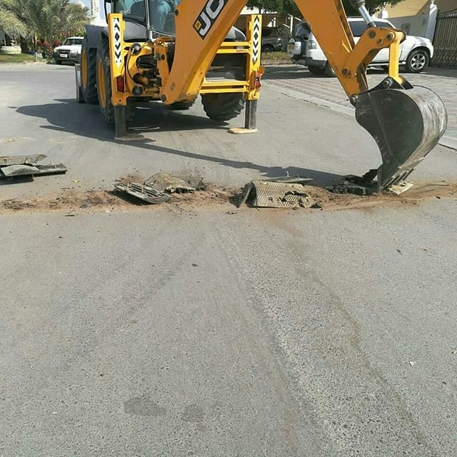 Municipality removes illegal speed breaker, property in Oman