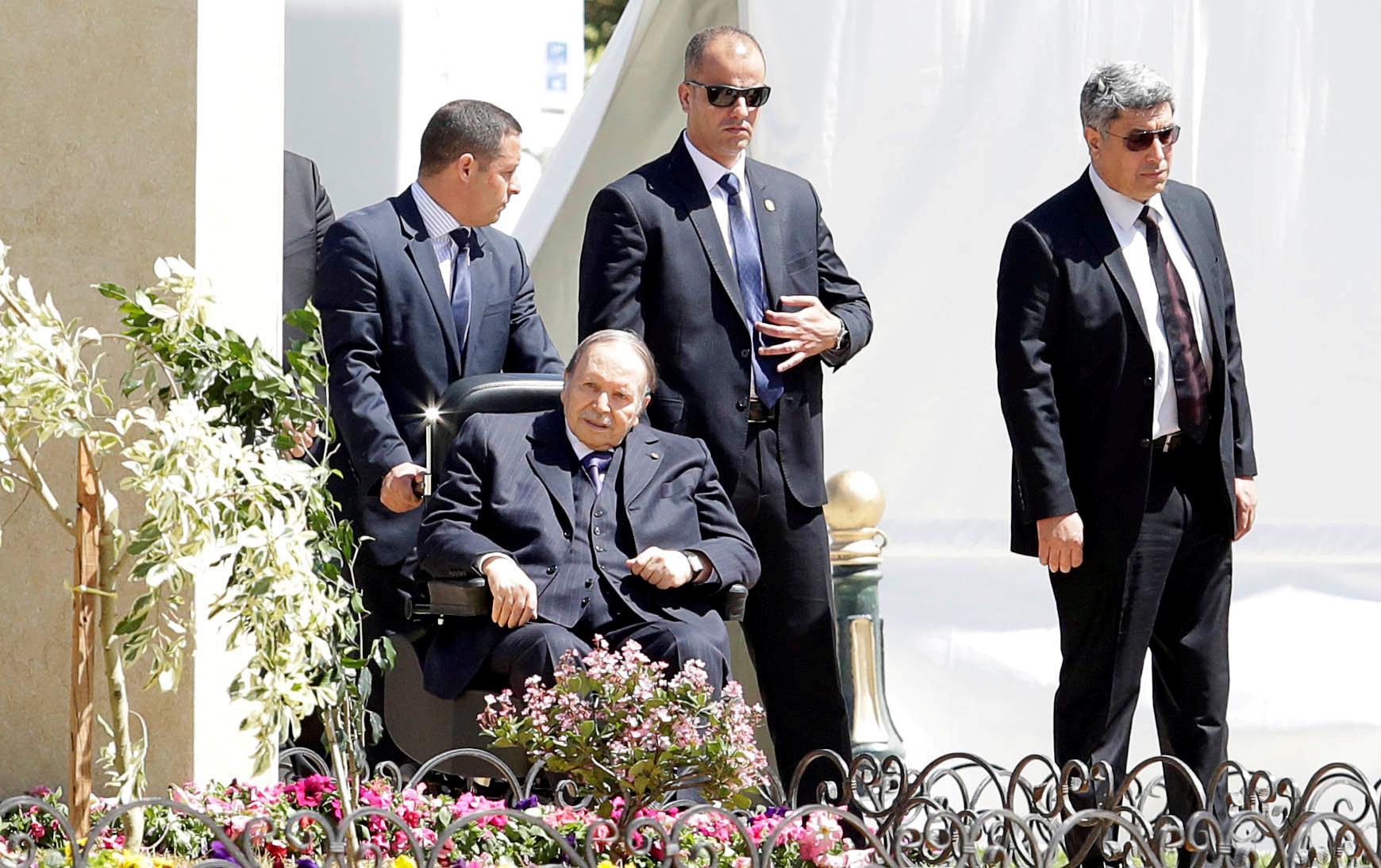 Bouteflika sacks Algeria's police chief