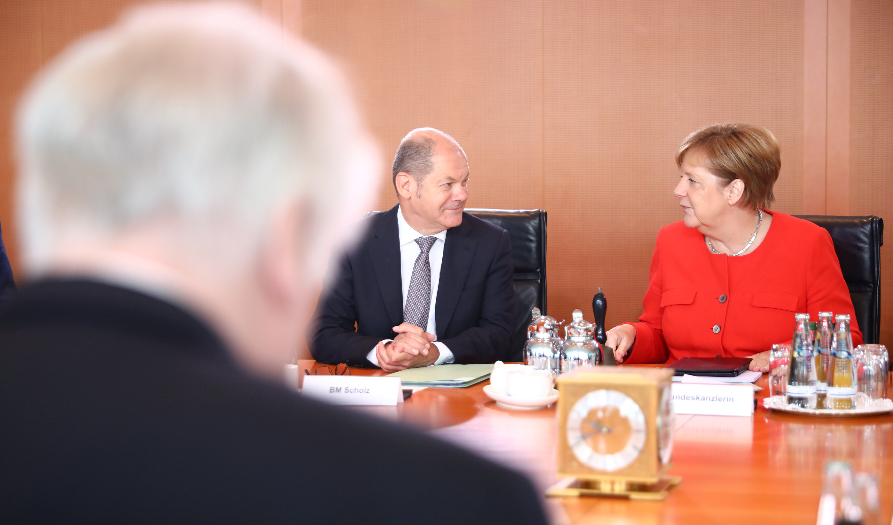 Threat of collapse looms over German coalition after crisis talks fail to resolve migrant row