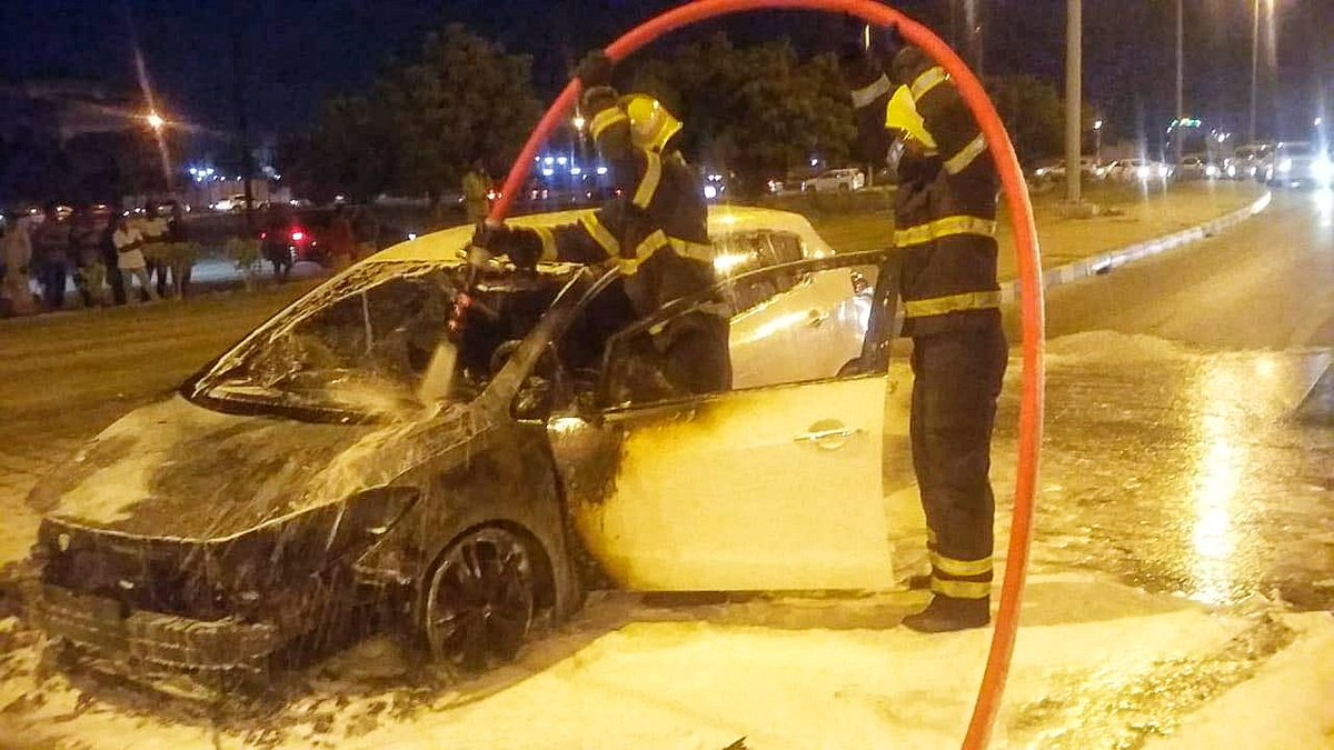 Car goes up in flames in Oman
