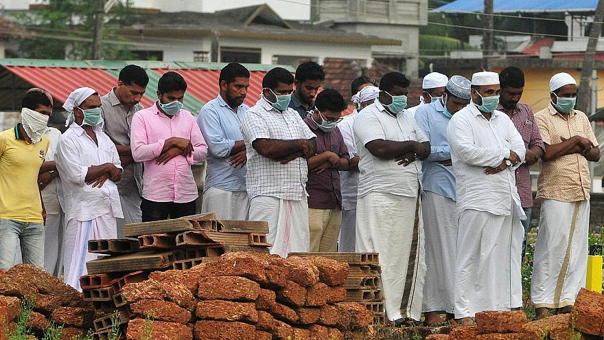 7 حقائق مخيفة حول فيروس نيباه الذي تتابعه السلطنة بالهند
