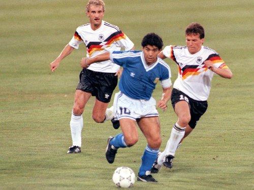 إيطاليا 1990.. فولر: المباراة النهائية كانت سيئة بسبب الأرجنتينيين
