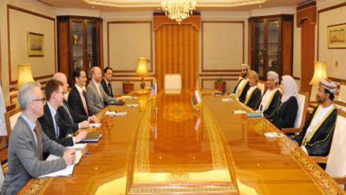 Oman Foreign Ministry official receives US diplomat Andrew Beck