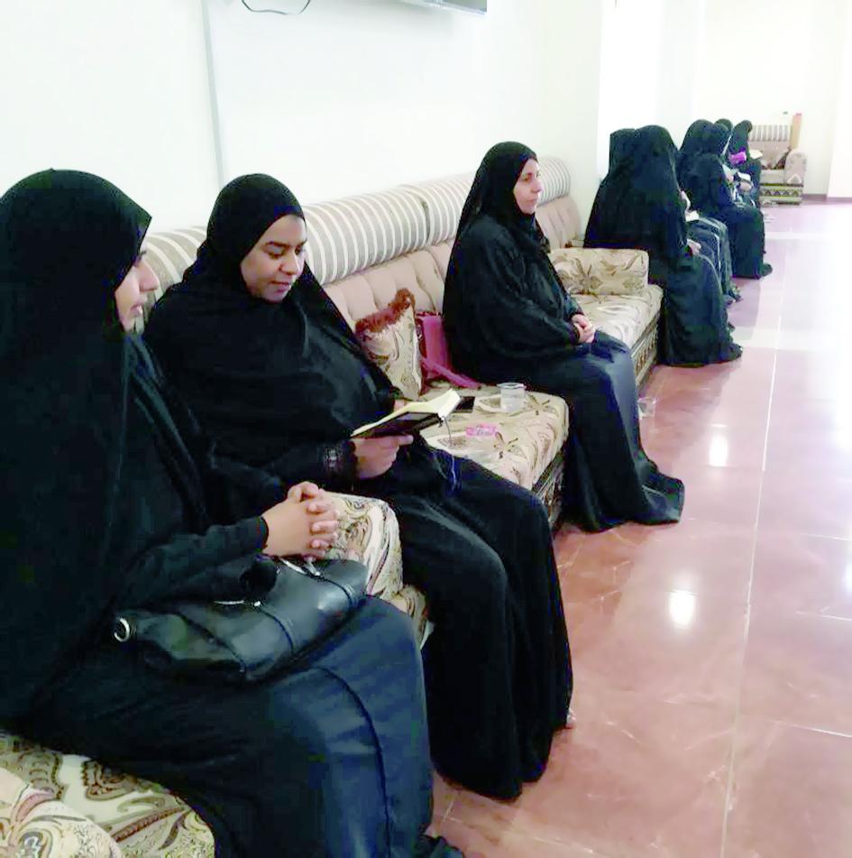 اللجنة الثقافية تقيم مسابقة حفظ القرآن للأمهات بالرستاق
