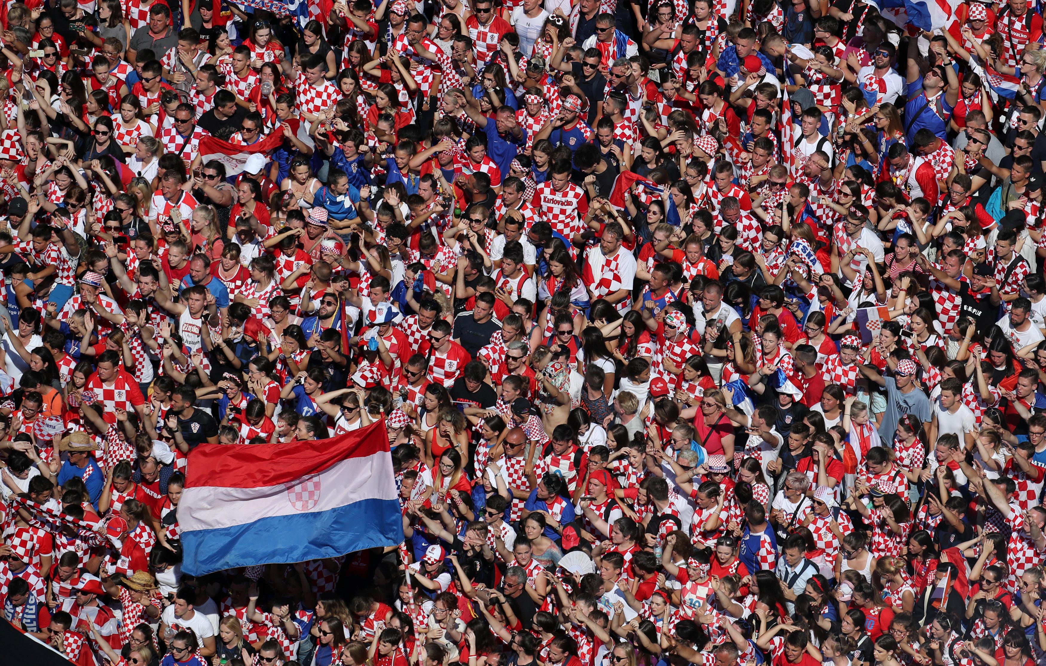 Football: Croatia fly flag for the little guys