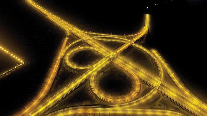 Six stations to monitor overloaded trucks along Oman's Batinah Expressway