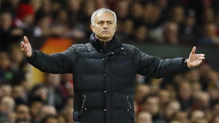 Football: Man United defender Dalot ruled out until September - Mourinho